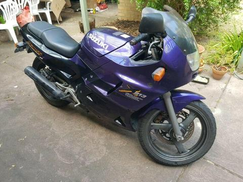 Motorbike Suzuki across learner approved - storage compartment!