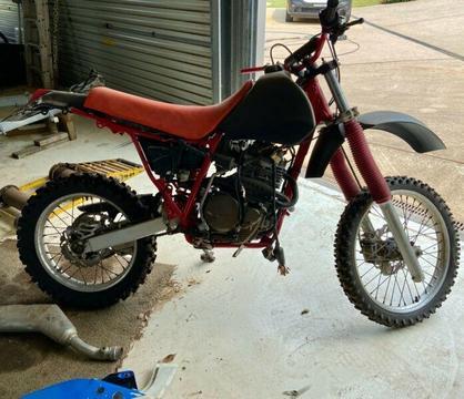 Honda XR / NX650 Cafe racer / street scrambler donor bike