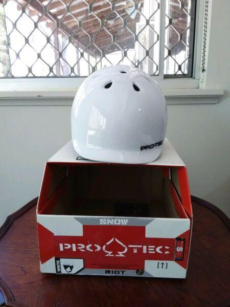 YOUTH SIZE HELMETS FOR SALE