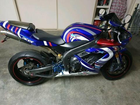 Yamaha r1 2005 custom build