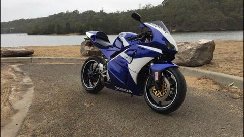 RVF400 NC35 (Best Lams bike)