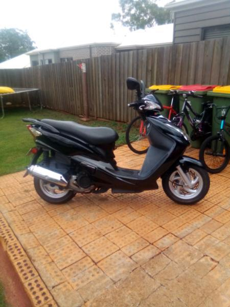 150cc scooter with helmet no rego runs well excellent condition