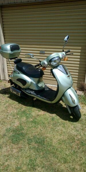 Scooter vmoto 4 stroke 125cc