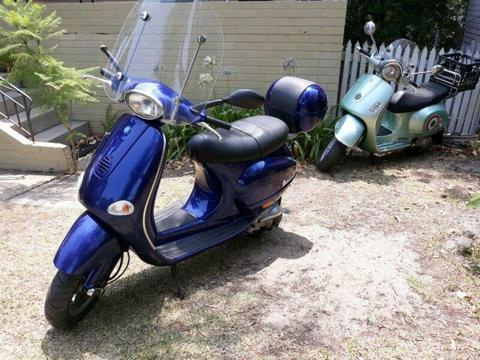 Vespa ET4 125. Very low kms!