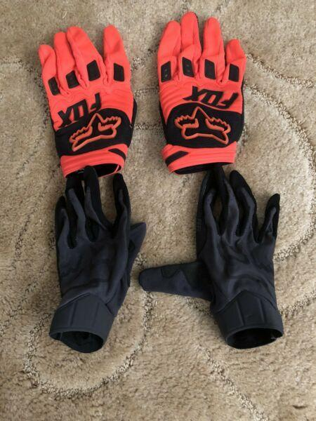 Fox dirt bike gloves (S)