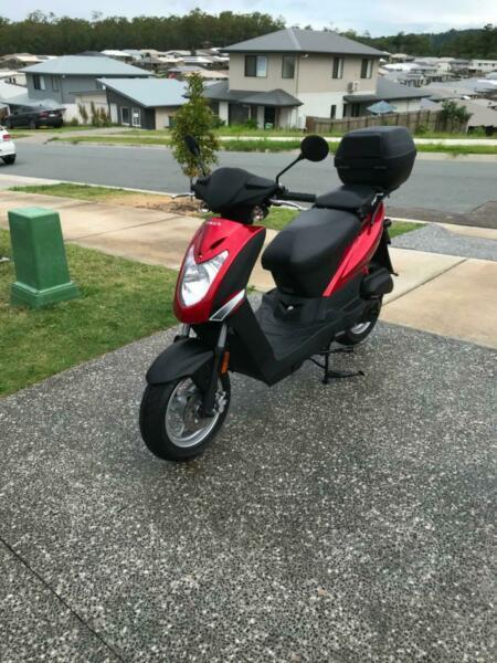 Near new 50cc moped